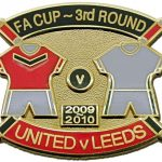 United v Leeds FA Cup Match Metal Badge 2009-2010 (1)