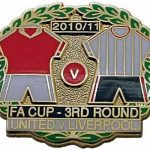 United v Liverpool FA Cup Match Metal Badge…